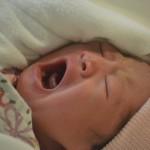 母乳が出過ぎる!母乳分泌過多になりやすいタイプと治療法♪