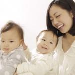 乳腺炎になりたくない!母乳育児の正しい「授乳姿勢」と「抱き方」