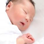 母乳に含まれる脂肪分、DHA。赤ちゃんに与える影響は?